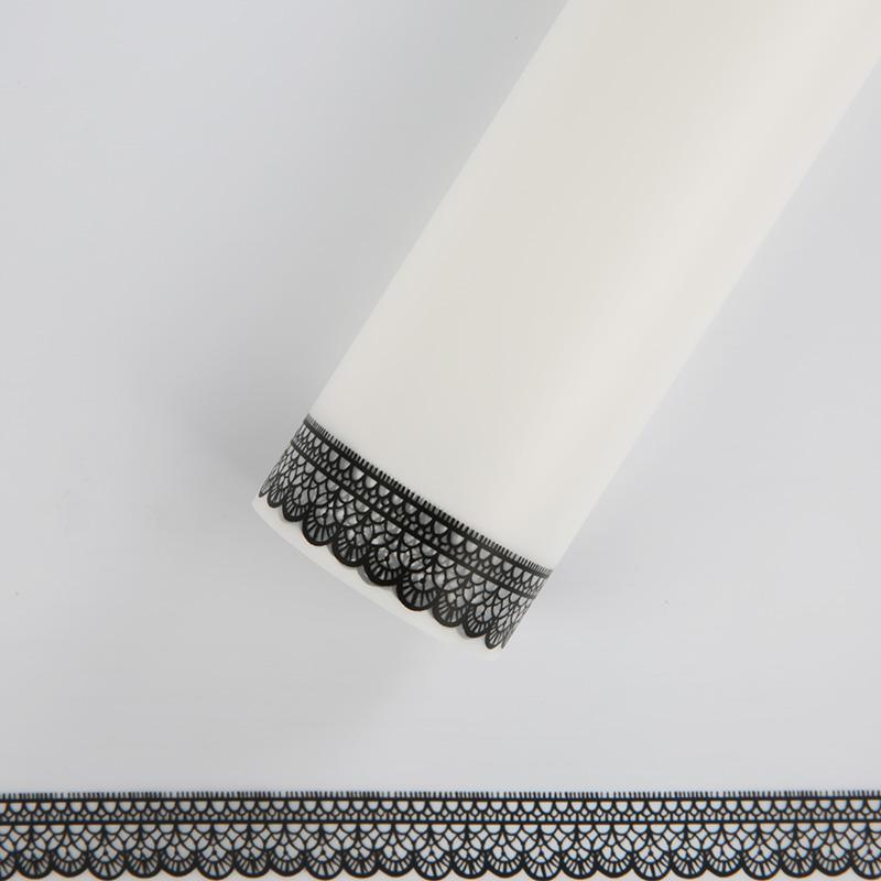 Пленка матовая 60сm*5m белая с черной рамкой 223